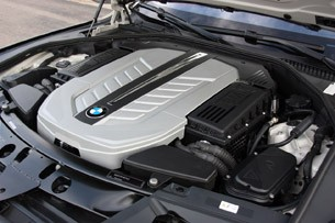 2010 BMW 760Li engine