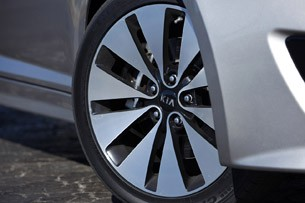 2011 Kia Optima 2.0T wheel