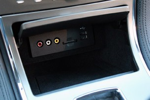 2011 Lincoln MKX multimedia inputs