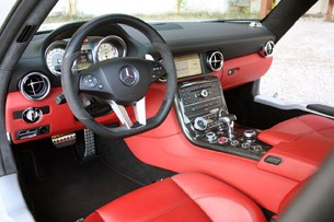 2010 Mercedes-Benz SLS AMG interior