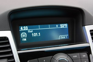 2011 Chevrolet Cruze 1LT digital readout