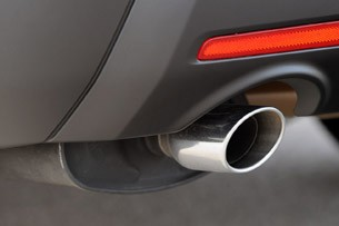 2011 Ford Explorer exhaust pipe