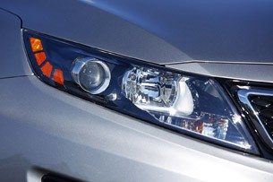 2011 Kia Optima 2.0T headlight