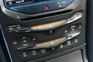 2011 Lincoln MKX stereo and climate controls