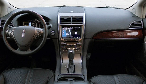 2011 Lincoln MKX interior