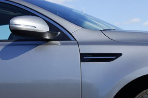 2011 Kia Optima 2.0T side detail