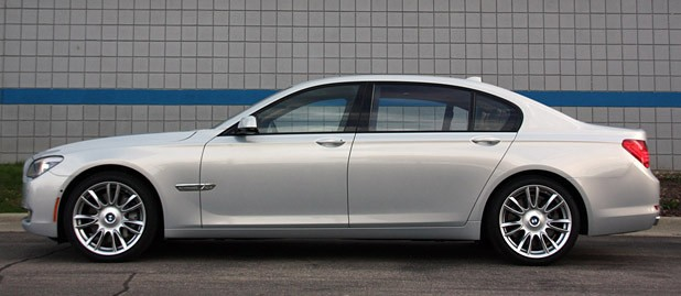2010 BMW 760Li side view