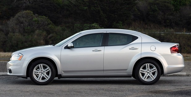 2011 Dodge Avenger side view