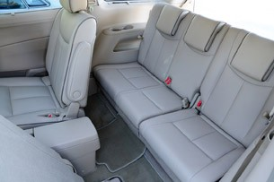 2011 Nissan Quest third row
