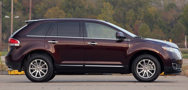 2011 Lincoln MKX side view