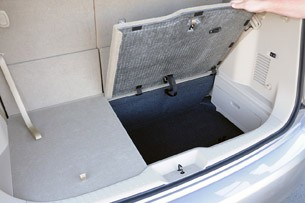 2011 Nissan Quest rear storage area