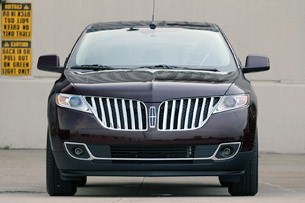 2011 Lincoln MKX front view