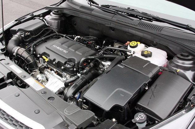 2011 Chevrolet Cruze 1LT engine