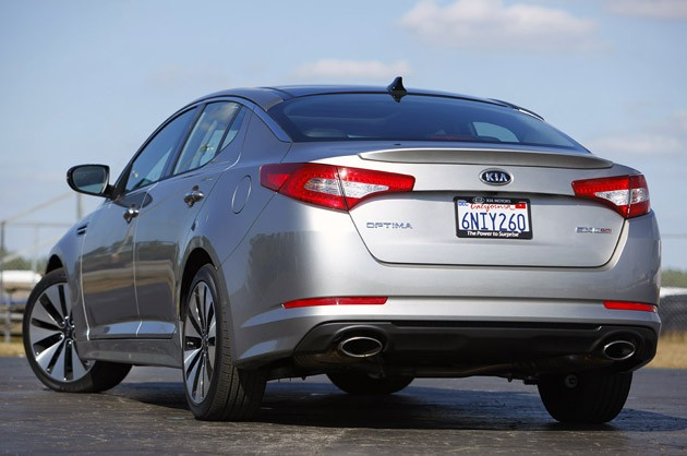 2011 Kia Optima 2.0T rear 3/4 view
