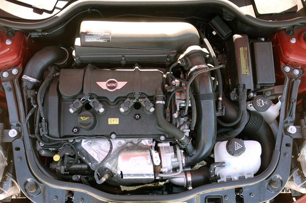 2011 Mini Cooper engine