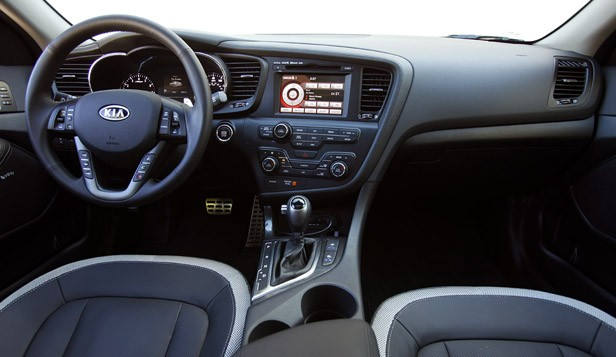 2011 Kia Optima 2.0T interior