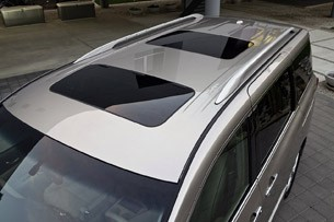 2011 Nissan Quest top view