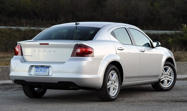 2011 Dodge Avenger rear 3/4 view
