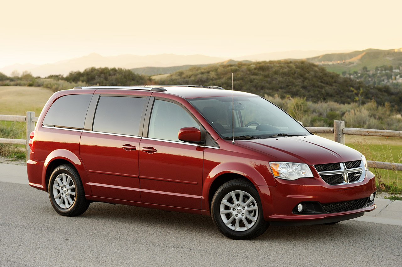Chrysler Town  Country 2016 >> Review: 2011 Dodge Grand Caravan Photo Gallery - Autoblog