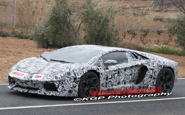 Lamborghini Murcielago replacement spy shots