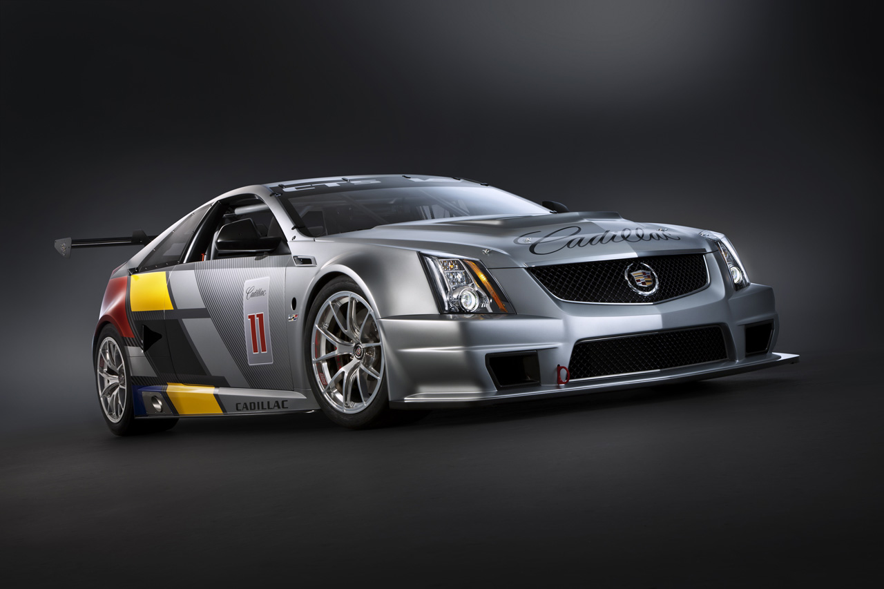 cadillac cts v coupe scca race car images ahead of official debut. Black Bedroom Furniture Sets. Home Design Ideas