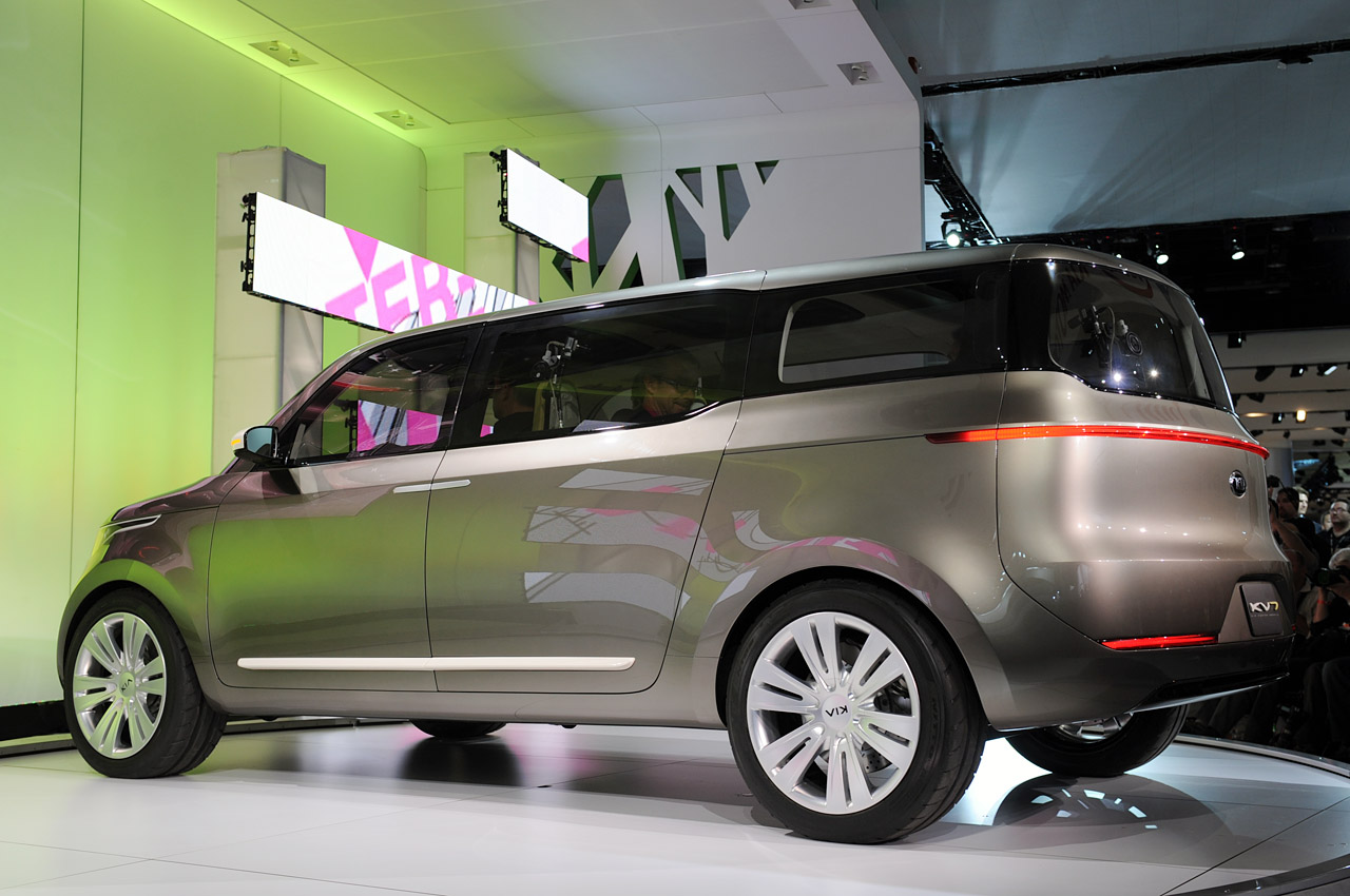 Kia Certified Pre Owned >> Next Kia minivan expected to pull cues from KV7 concept - Autoblog