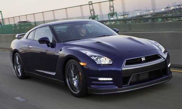 2012 Nissan GT-R: 0-60 in 3.2 sec, 193 MPH Top Speed
