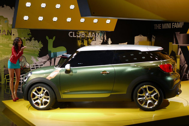 Mini Paceman concept live at 2011 Detroit Auto Show