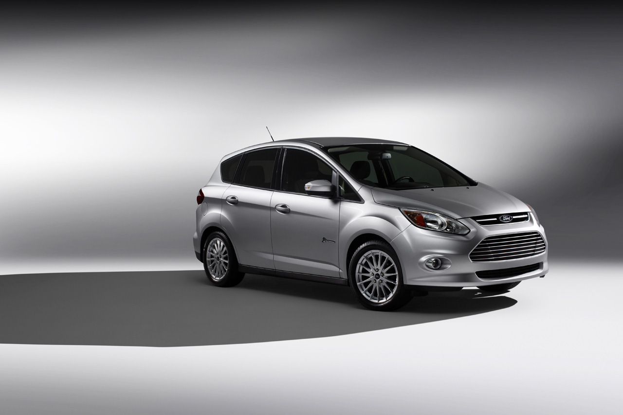 ford c max pricing to undercut toyota prius v autoblog. Black Bedroom Furniture Sets. Home Design Ideas
