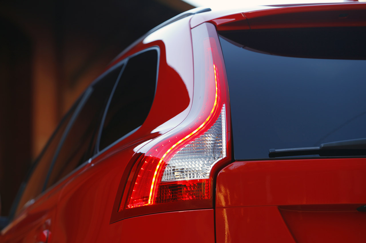 You are here: Photos > 2011 volvo xc60 r design quick spin