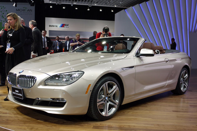 detroit 2011 2012 bmw 650i convertible goes topless in the motor city. Black Bedroom Furniture Sets. Home Design Ideas