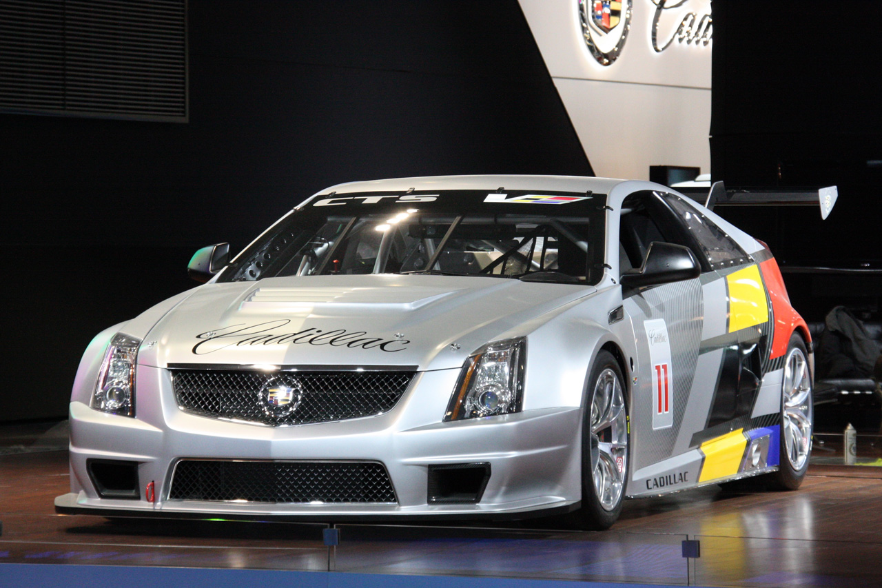 Cadillac Cts V Coupe Scca Race Car Detroit 2017 Photo Gallery Autoblog