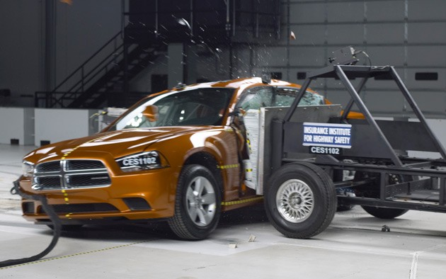2011 Dodge Charger crash test