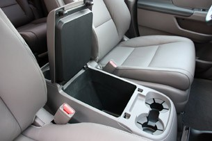 2011 Honda Odyssey storage console