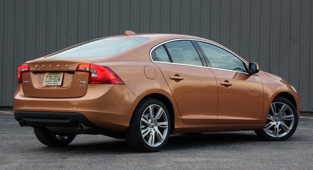 2011 Volvo S60 rear 3/4 view