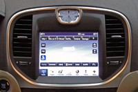2011 Chrysler 300 multimedia system