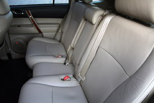 2011 Toyota Highlander rear seats