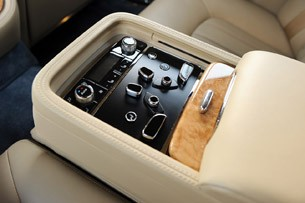 2011 Bentley Mulsanne rear seat controls