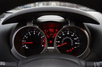 2011 Nissan Juke gauges