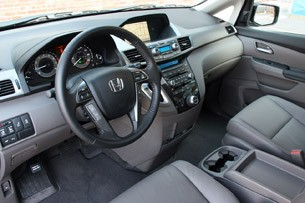 2011 Honda Odyssey interior