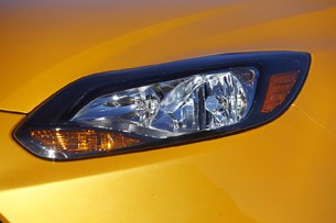 2012 Ford Focus headlight