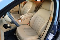 2011 Bentley Mulsanne front seats