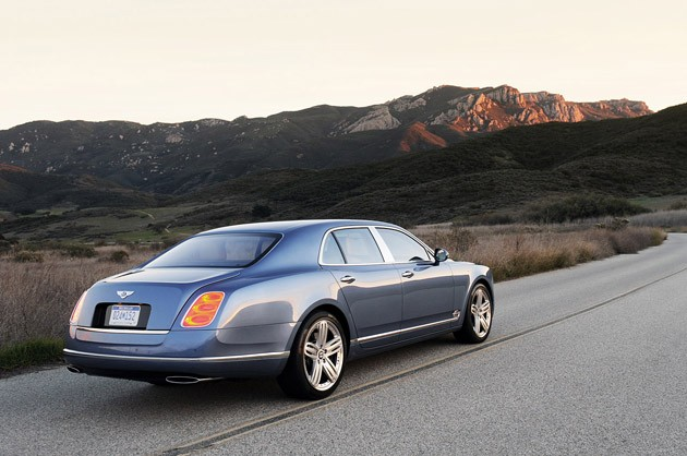 2011 Bentley Mulsanne rear 3/4 view