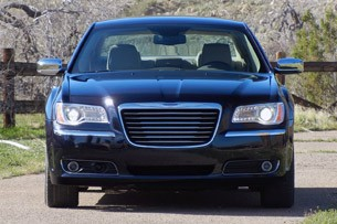2011 Chrysler 300 front view