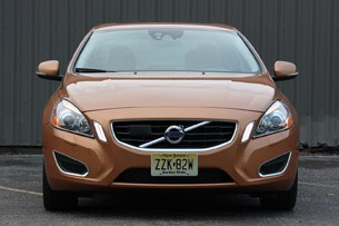 2011 Volvo S60 front view