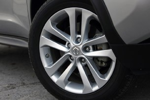 2011 Nissan Juke wheel