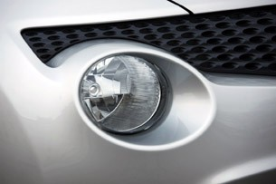 2011 Nissan Juke fog light