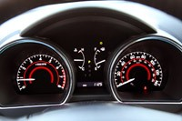 2011 Toyota Highlander gauges