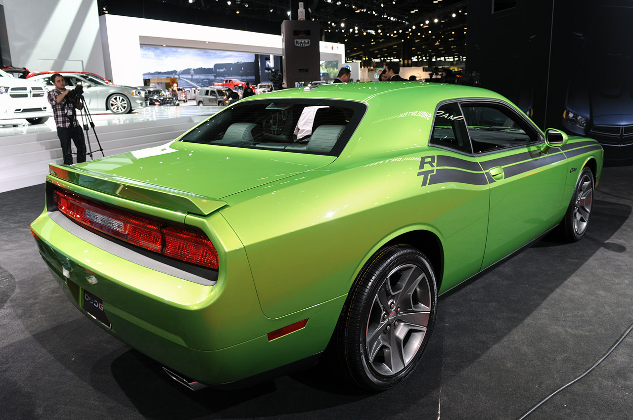 2011 dodge challenger r t green with envy chicago 2011 photo gallery autoblog. Cars Review. Best American Auto & Cars Review