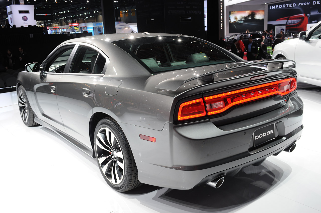 2012 dodge charger srt8 chicago 2011 photo gallery autoblog. Black Bedroom Furniture Sets. Home Design Ideas